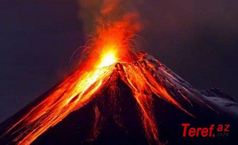 Levotolo vulkanı yenidən püskürməyə başladı - VİDEO