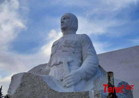 Ermənilər Xocavənddə faşist liderə heykəl qoydular -