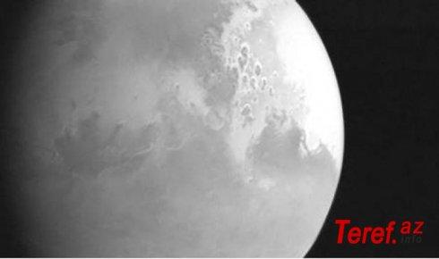 """""""Roscosmos"""" Marsda nəhəng tornadoların fotosunu yayımlayıb"""