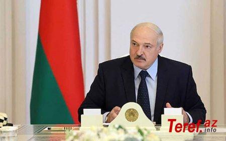 Lukaşenko Rusiyaya döyüş təyyarələrini Belarusda yerləşdirməyi təklif etdi