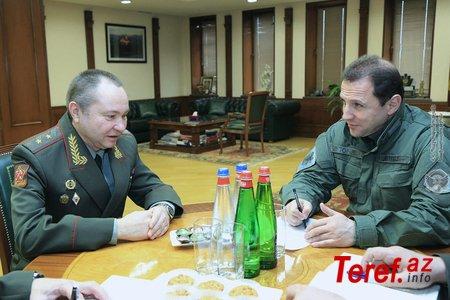 Bu da yeni sülhməramlı general Avdeev... - həmin erməni Tonoyanla...