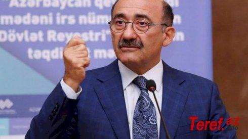 """Əbülfəs Qarayev nazirlikdəki kriminaldan danışmaq istəmir: """"Mən evdəyəm..."""""""
