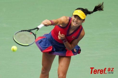 18 yaşlı tennisçinin geyimi sosial şəbəkələrdə ajiotaj yaratdı - FOTO